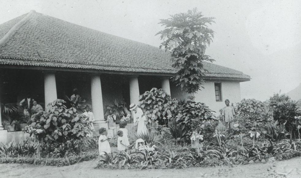 Shahpur missionsstation grundades 1912 av Wendela Wigert. Här gick kvinnor en treårig bibelskola för att sedan tjäna de olika missionerna som bibelkvinnor.