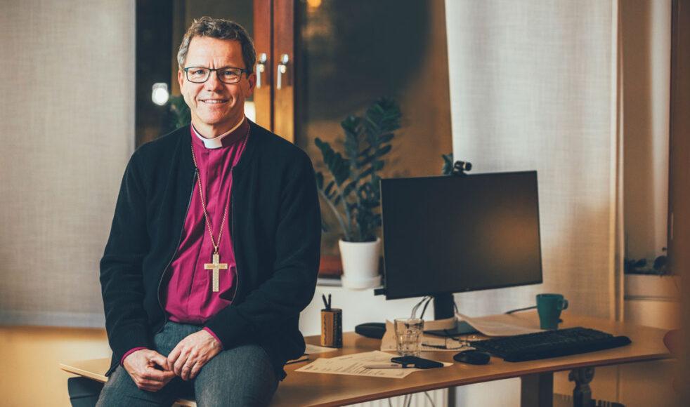 Biskop Andreas har tidigare varit samarbetskyrkopräst i en förortsförsamling som samverkade med EFS. Han ser EFS som en stor tillgång för Svenska kyrkan.