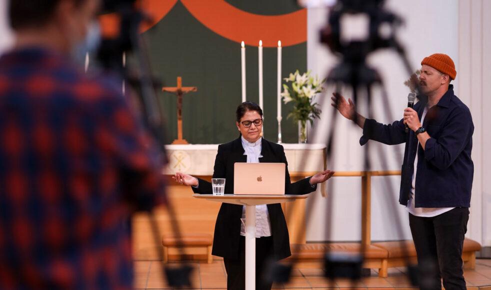 Annahita Parsan som är präst i Hammarbykyrkan predikade och ledde ett seminarium om att nå ut med evangeliet till den muslimska världen.