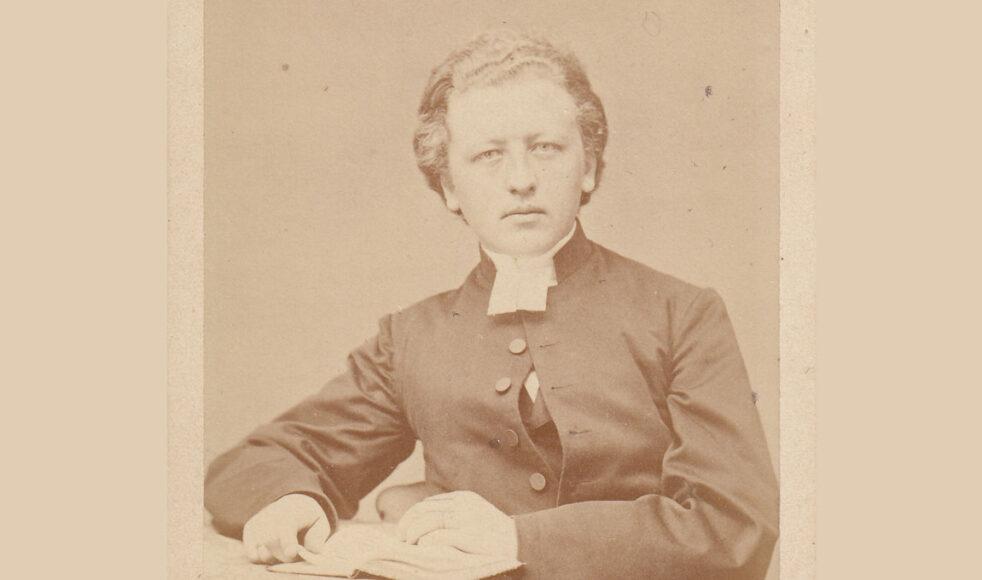 Paul Peter Waldenström var först redaktör för Pietisten innan han 1878 var med och bildade Svenska Missionsförbundet.